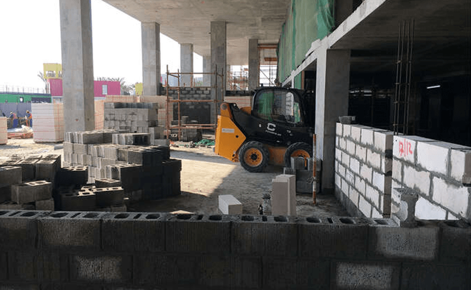 Block works in retail area in progress, December 2017