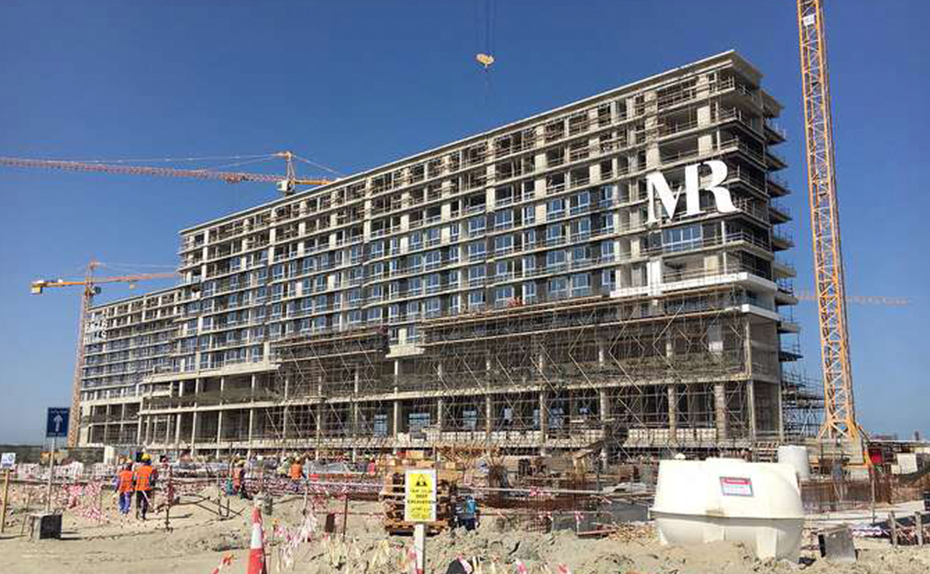 Marassi Residences - Mall side elevations showing glazing progress up to level 7, February 2018